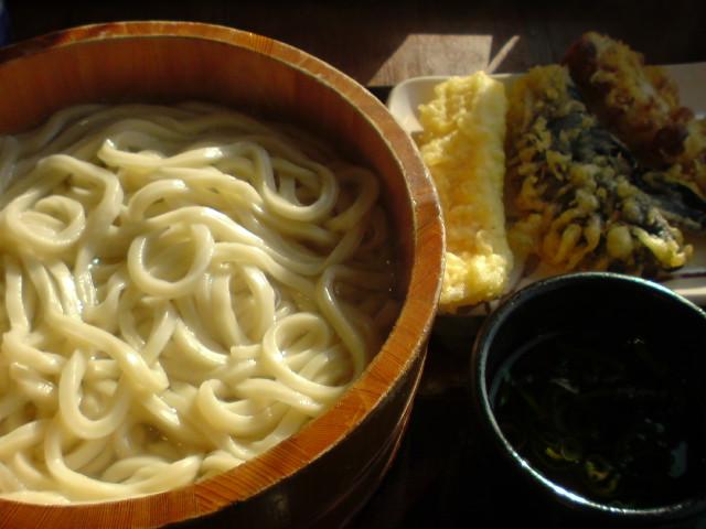 丸亀製麺の釜あげうどん。